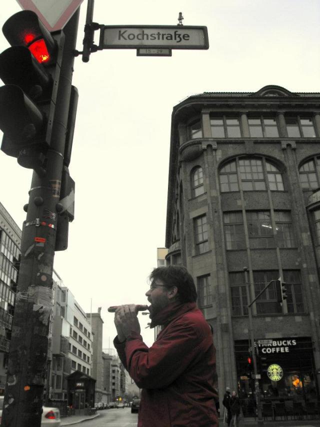 Gobbling down on Kochstraße