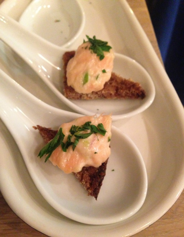 Warm smoked salmon on dense soda-like bread.
