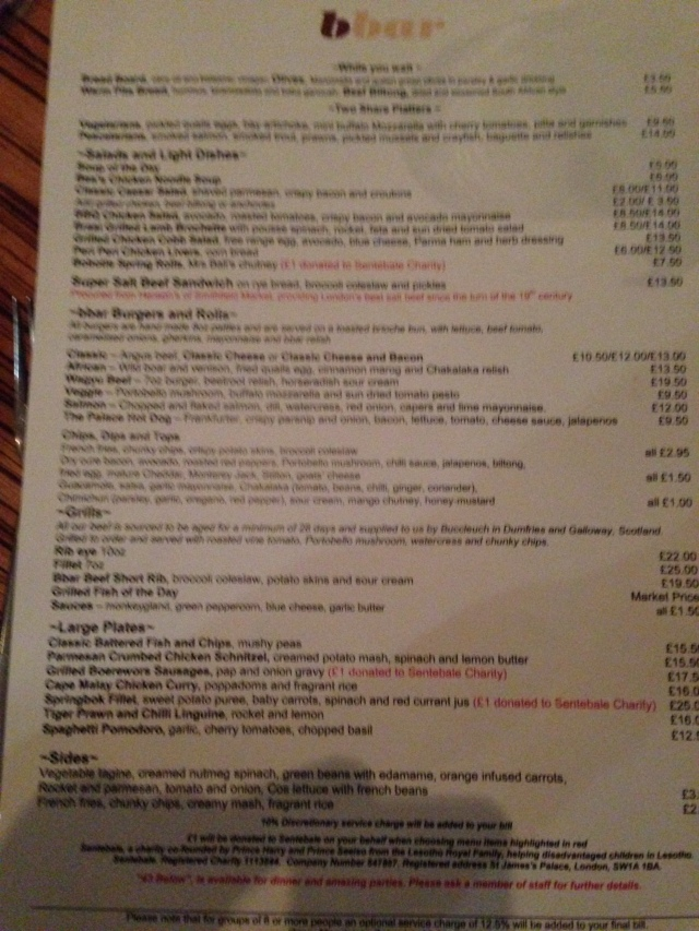 Le menu. It's quite blurred so if you can read it you're lying or drunk.