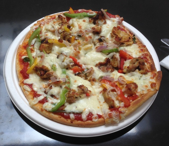 A chicken shawarma pizza? Now I've seen everything!